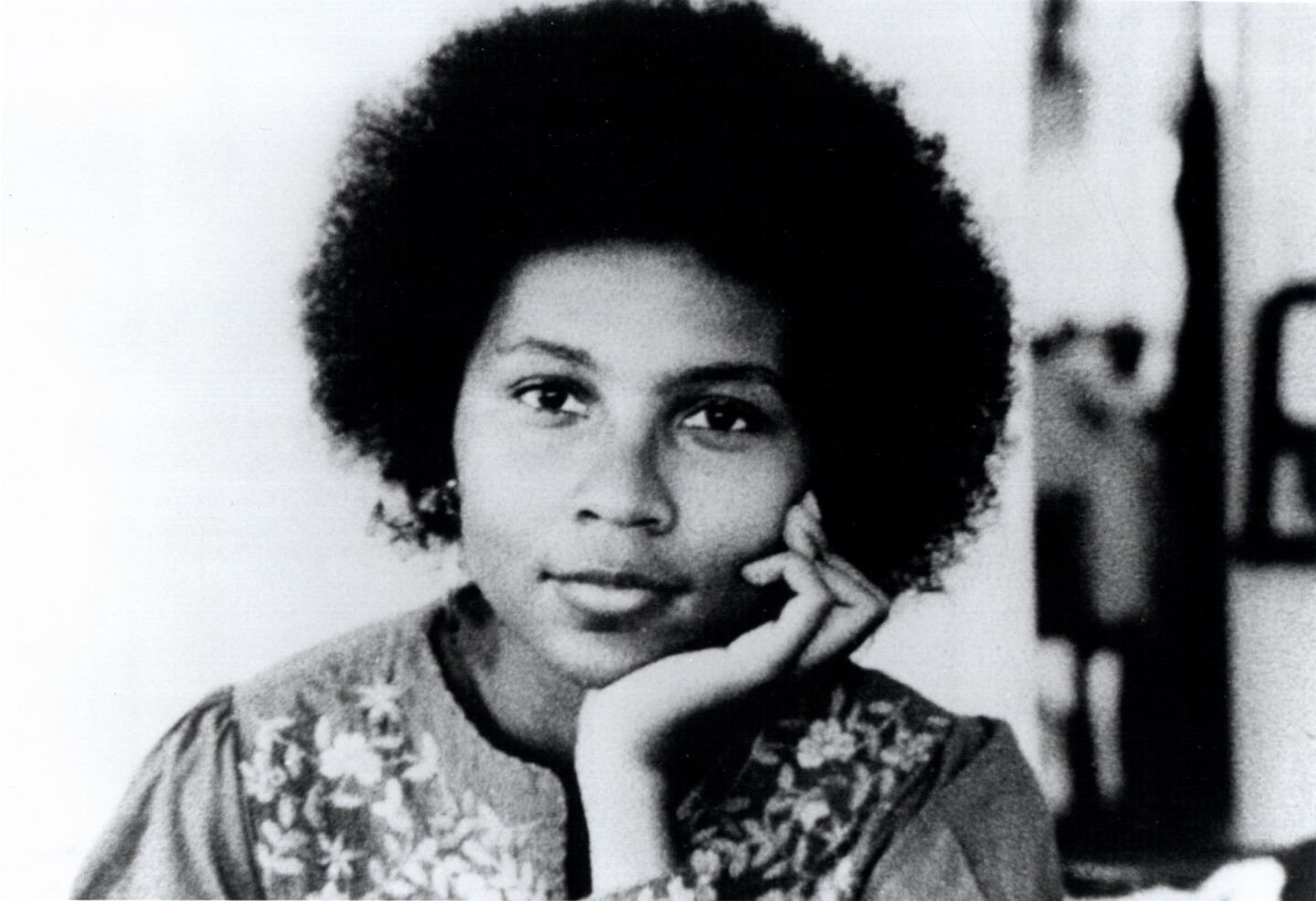 bell hooks justice childhood love lessons essay Hooks focuses on problematic racial representations bell hooks has written a number of essays and articles justice: childhood love lessons 2000.